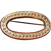 19th Century Victorian Gold-Filled Oval Design Pin/Brooch