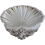 Vintage Wallace Silver Plate Baroque Shell Serving Dish