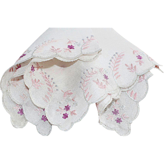 Vintage 1920's Silk Embroidered Canton Chinese Wedding Handkerchief