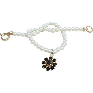 Adorable Child's Pearl Flower Vintage Charm Bracelet