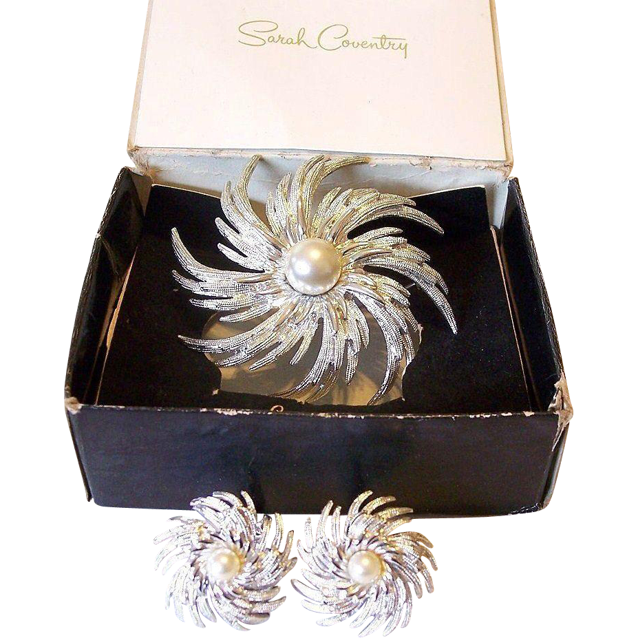 """""""Pin Wheel"""" 1970's Sarah Coventry  Brooch and Earrings Set"""