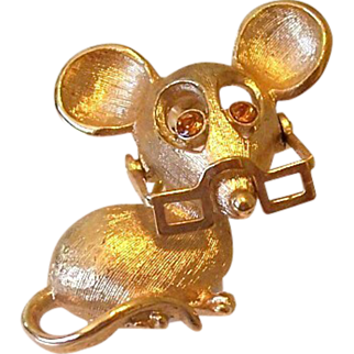 Avon Mouse With Moving Eye Glasses Pin