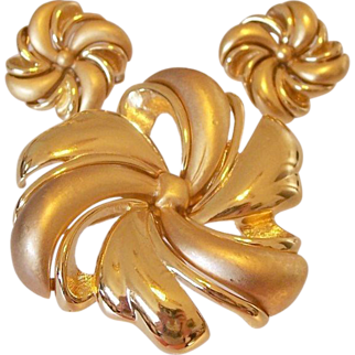 Monet Swirling Bow Brooch and Clip Earrings Set