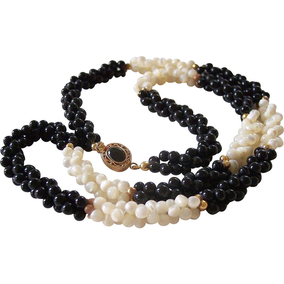 24.5 Inch MOP and Black Beads Weave Necklace