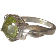 Green Glass Stone Right Hand Ring Size 6.5