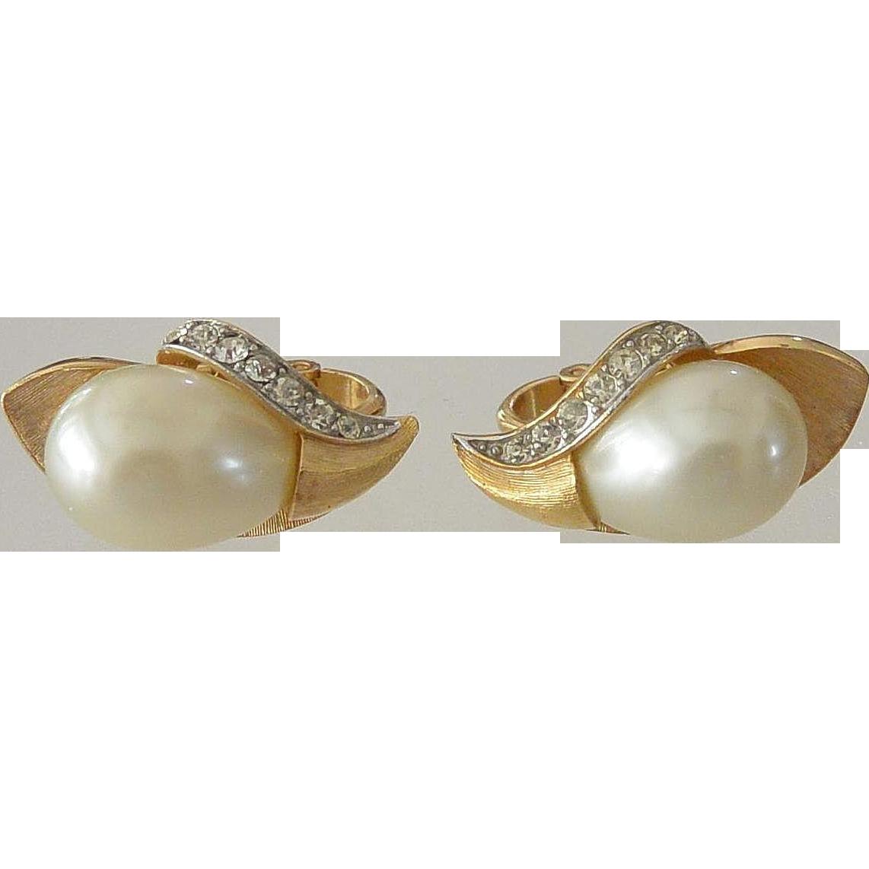 Crown Trifari Faux Pearls Clip Earrings