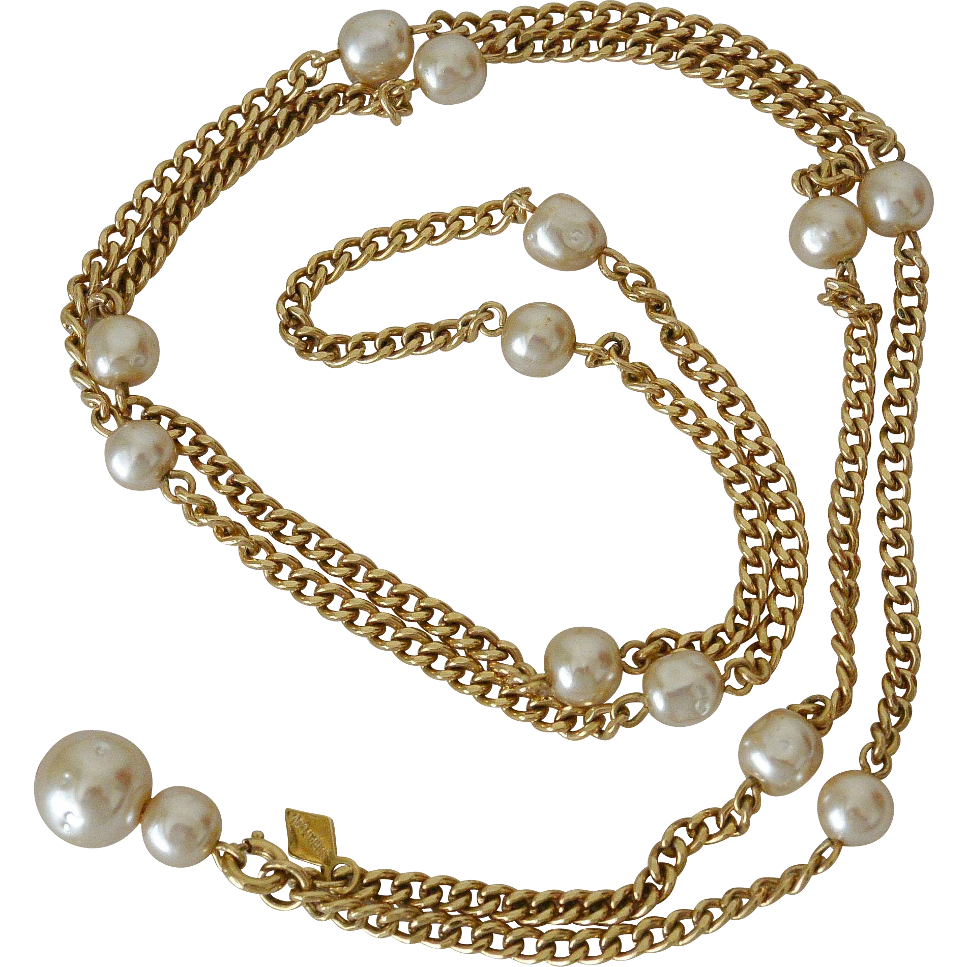 Sarah Coventry Dimpled  Faux Pearls Necklace With Drop