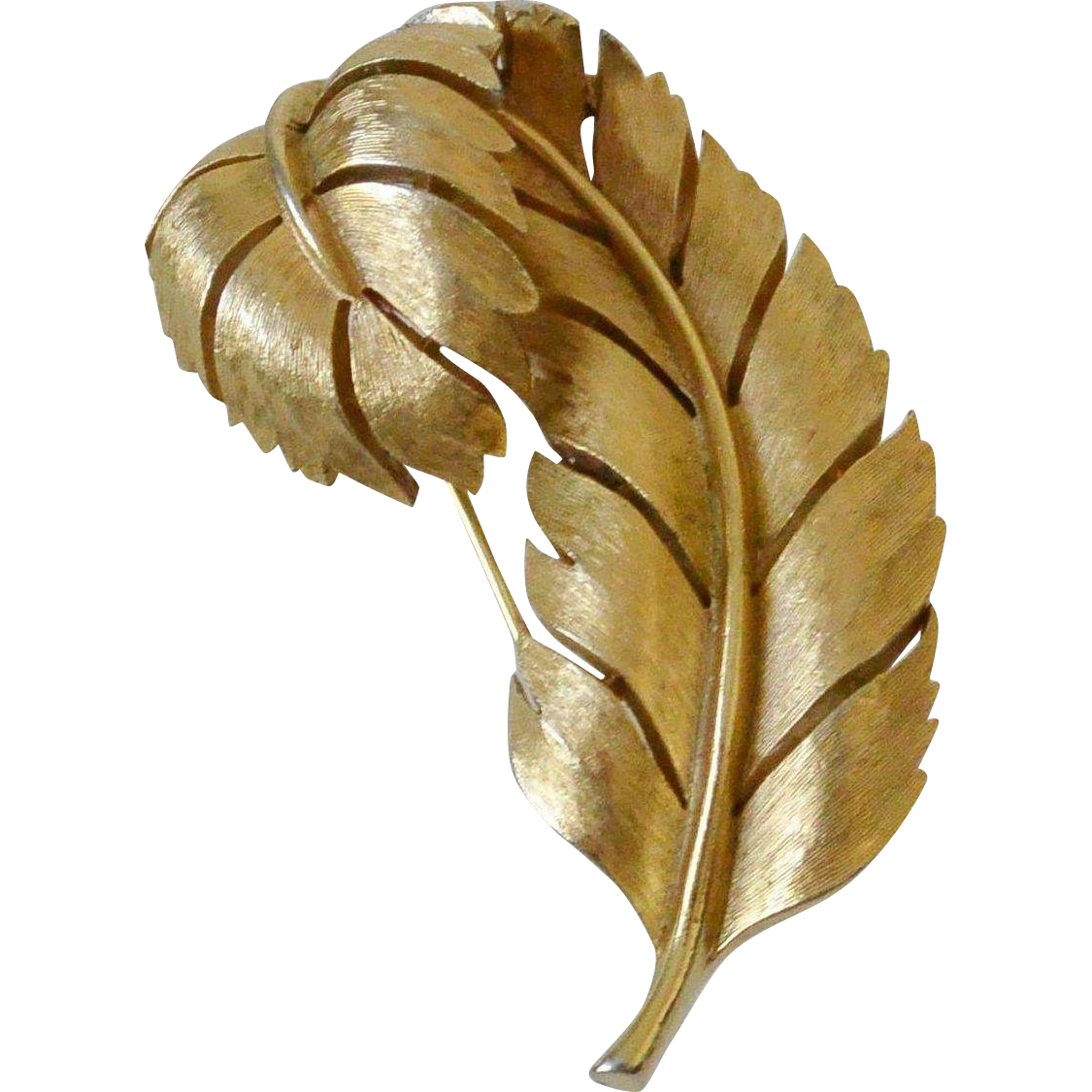 Crown Trifari Curled Leaf Gold Tone Brooch Pin