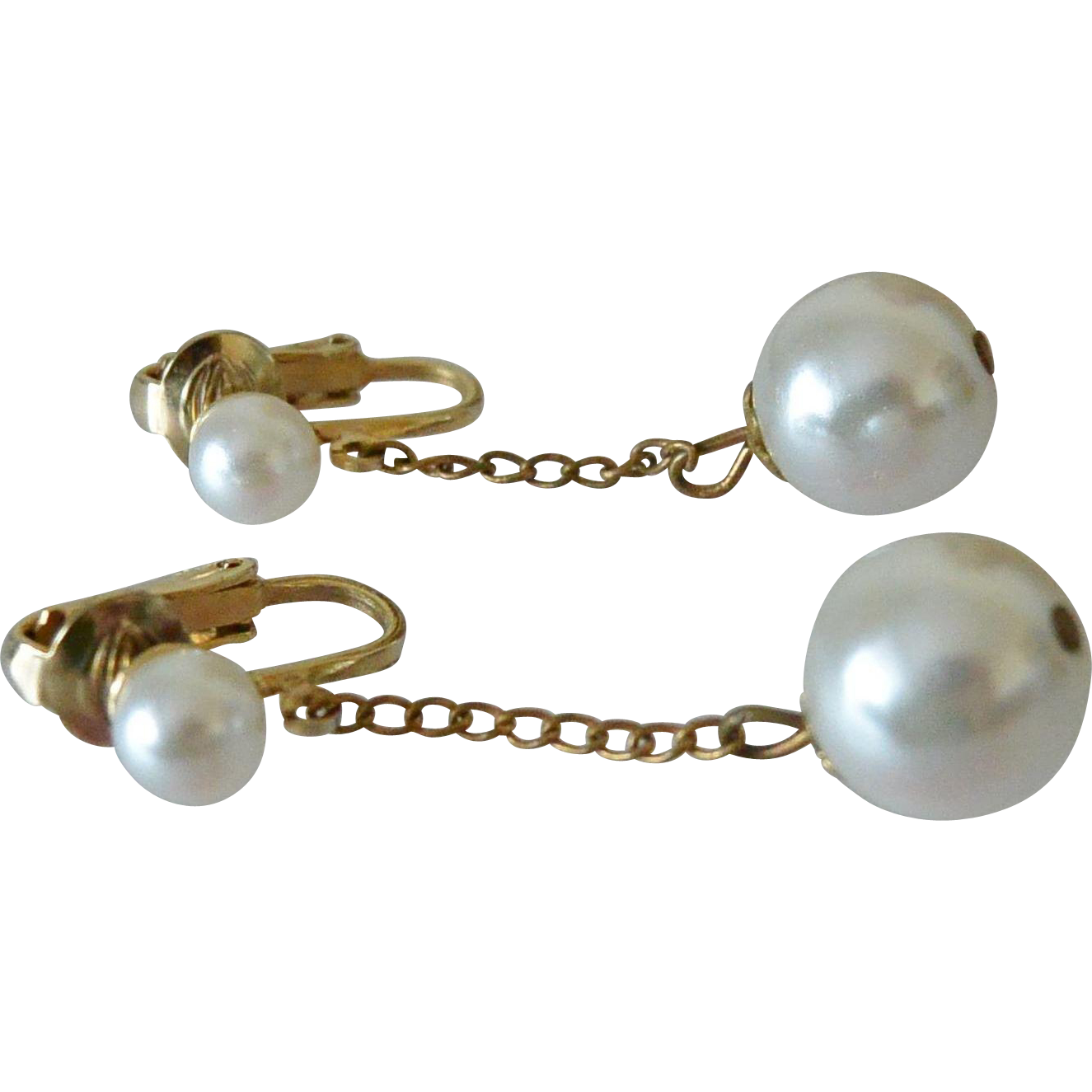 Vintage Simulated Pearls Dangle Clip Earrings