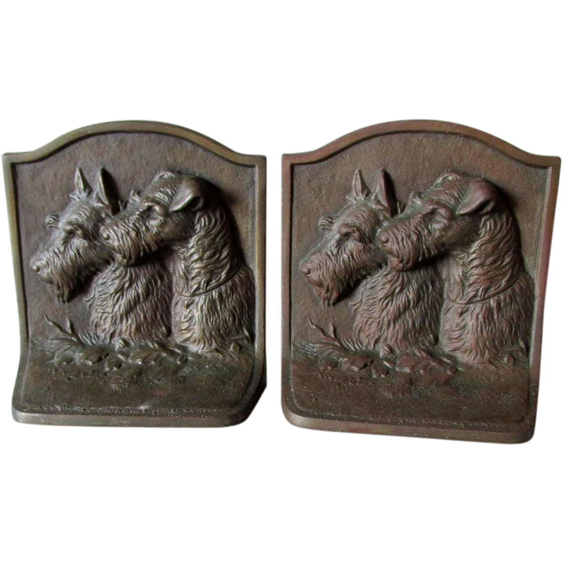 Pair Art Deco Scotty & Airedale Dog Bookends, Scottish Terrier