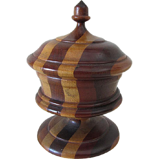 19thC Antique Folk Art Treenware Covered Box with Acorn Finial