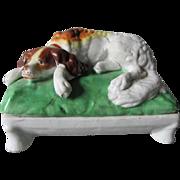 19thC King Charles Spaniel Porcelain Box, Victorian Staffordshire Fairing