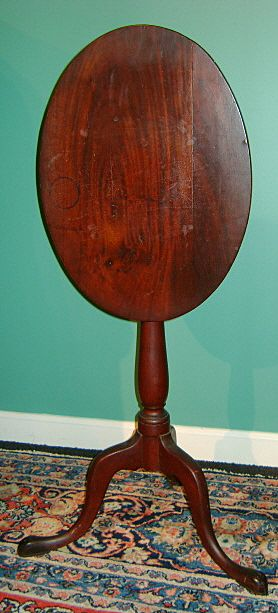 Queen Anne 18th C. American Tilt Top Tea Table