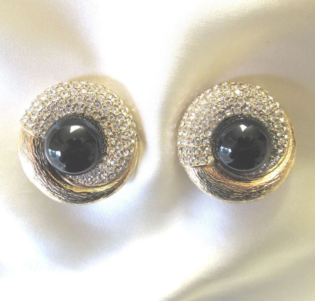 Vintage Large CINER Clip Earrings Faux ONYX Sparkling Rhinestones Crystals. Signed FABULOUS!