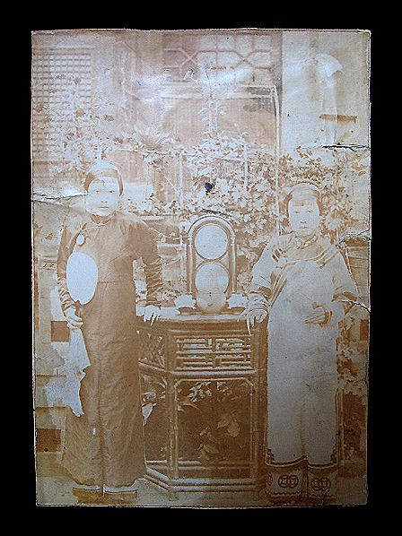 Antique CHINESE Qing PHOTOGRAPH Women With Long Nails 19th C Century Very RARE