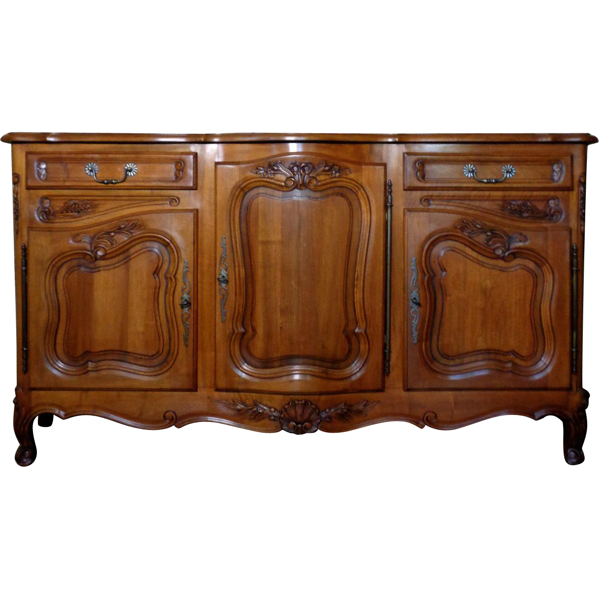 antique country french louis xv style walnut buffet. Black Bedroom Furniture Sets. Home Design Ideas