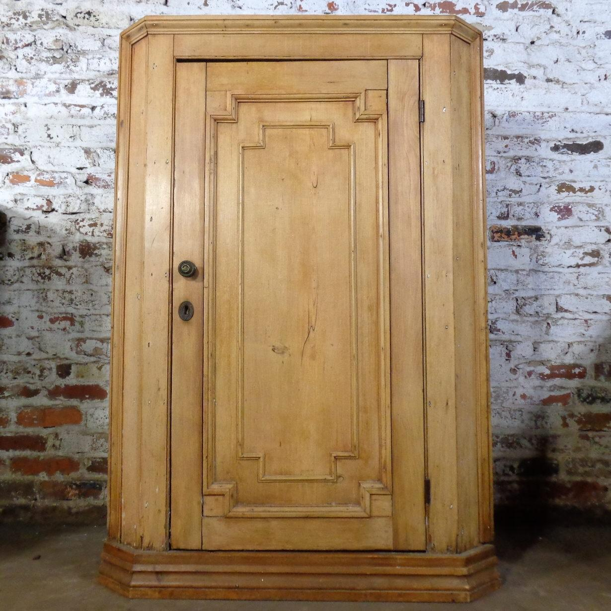 Roll over Large image to magnify, click Large image to zoom - 19th Century Antique Swedish Pine Corner Cabinet From