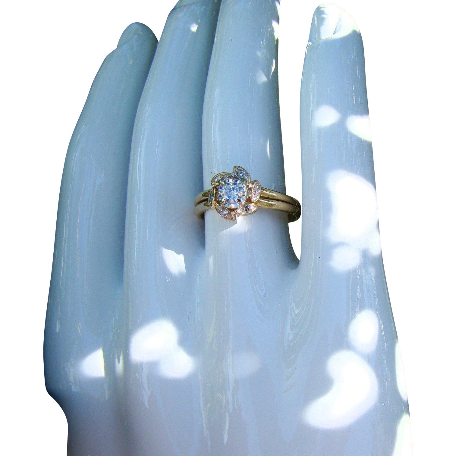 Sweet 2PC Ca 1975 Zales Diamond Engagement Flower Ring Set