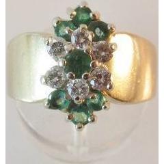 Substantial 14K Gold Emerald Diamond Ring 6.2 grams
