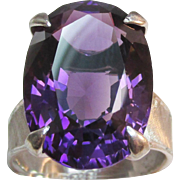 Exquisite 14.70 ct Amethyst 18K White Gold Vintage Ring