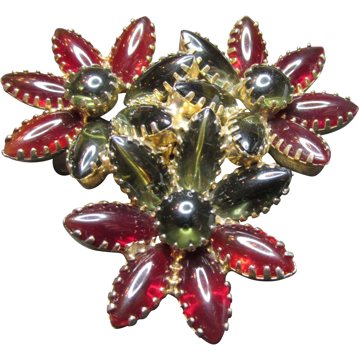 Red Cranberry & Evergreen Glass Rhinestone Unsigned Designer Flower Brooch Vintage