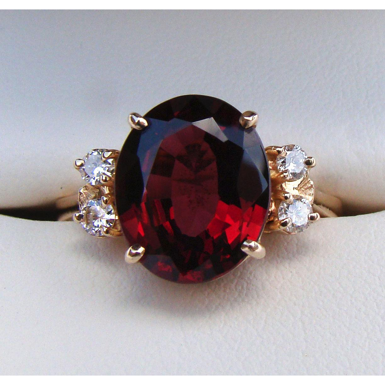 Lovely Estate 3.75 CT Mozambique Garnet & Diamond Ring