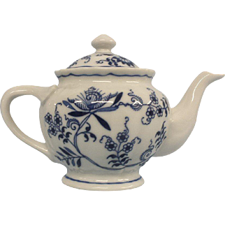 Blue Danube Tea Pot