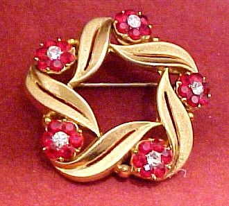 Fabulous  Vintage Red & Clear Trifari Brooch
