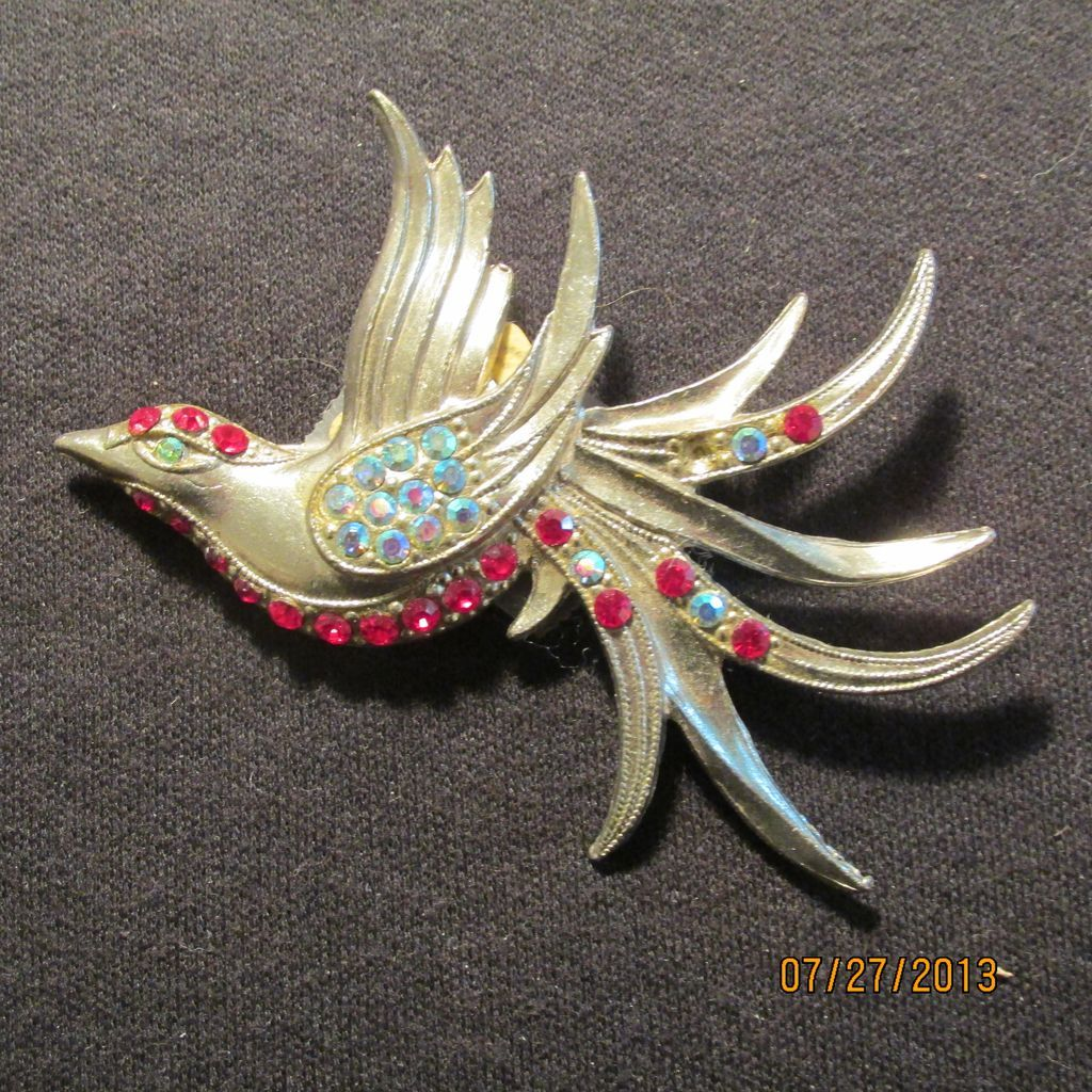 Vintage Bird in Flight Figural Pin
