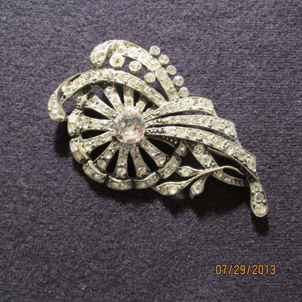 Vintage Staret Rhinestone Brooch Pin