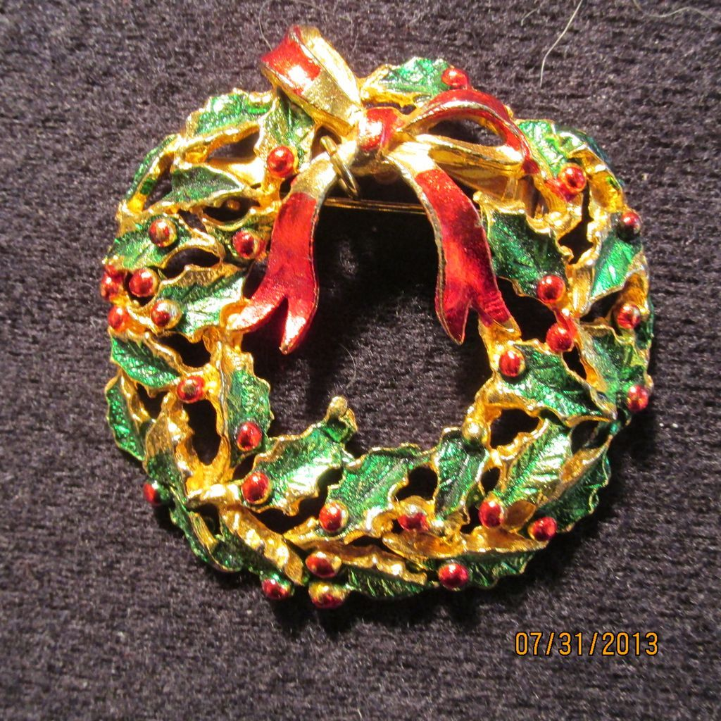 Vintage Christmas Wreath Pin Brooch