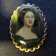 Stunning Lady Portrait Pin in Green