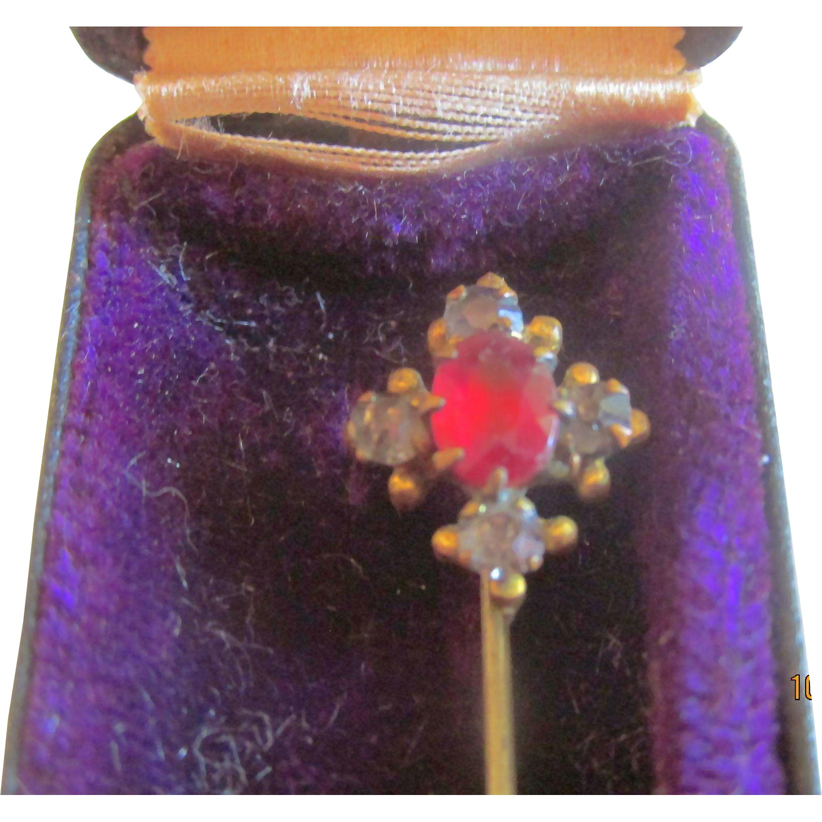 Vintage  Stickpin in Case with Stones