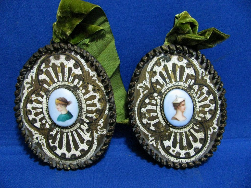 Pair of Miniature Handpainted Cameo Portraits in Brass Florenza Frames
