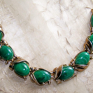 Crown Trifari Green Marbled Lucite Link Bracelet