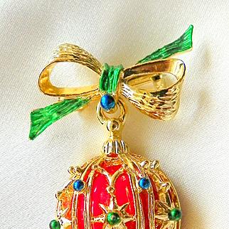 Vintage Gerry's Designer Enamel Christmas Brooch Pin