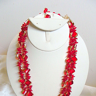 Vintage Lucite Red and Gilded Faceted Beads Necklace