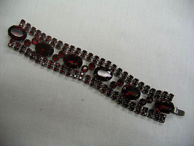 1940's Red Stone Link Bracelet