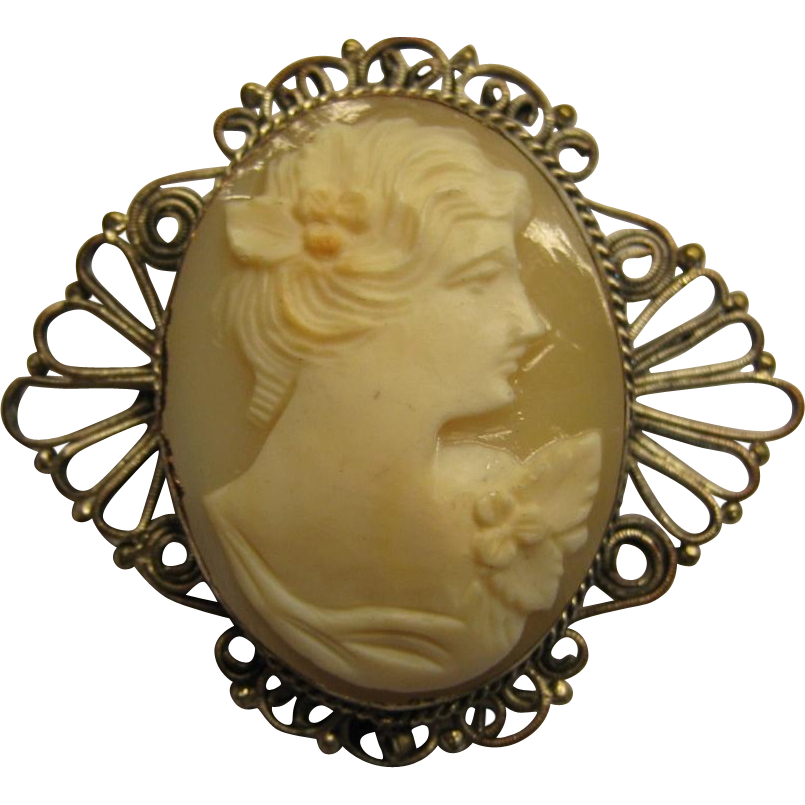 Victorian Cannetille (Wire Work) Carved Shell Cameo Pendant Brooch. c1900.