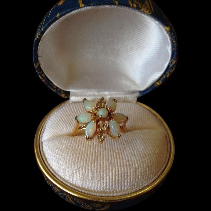 Natural Australian 7 Opal 9K Yellow Gold Flower Set Dress Ring. c1970.