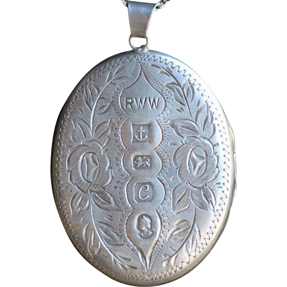 Rare Queen Elizabeth Commemorative Jubilee Large Hallmarked English Sterling Locket.