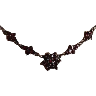 Edwardian Garnet Necklace c1905.