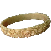 Pretty Moulded Floral Bangle Bracelet c1940