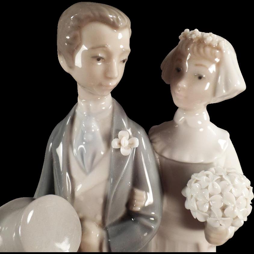 "Old, Lladro #4808 ""Wedding"" Bride & Groom Figurine"
