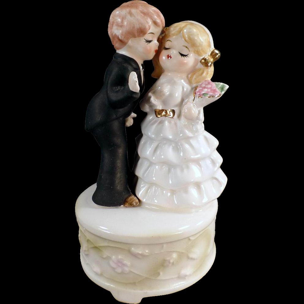 Vintage, Bride & Groom Music Box - Here Comes the Bride