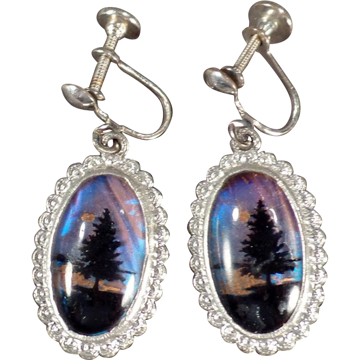 Vintage, Screw Back Dangle Earrings - Butterfly Wing Pine Trees