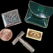 Vintage Myatt Ladies Razor with Original Tin & Blade
