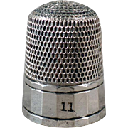Vintage Sterling Thimble - Pretty but Simple Pattern by Simons Brothers