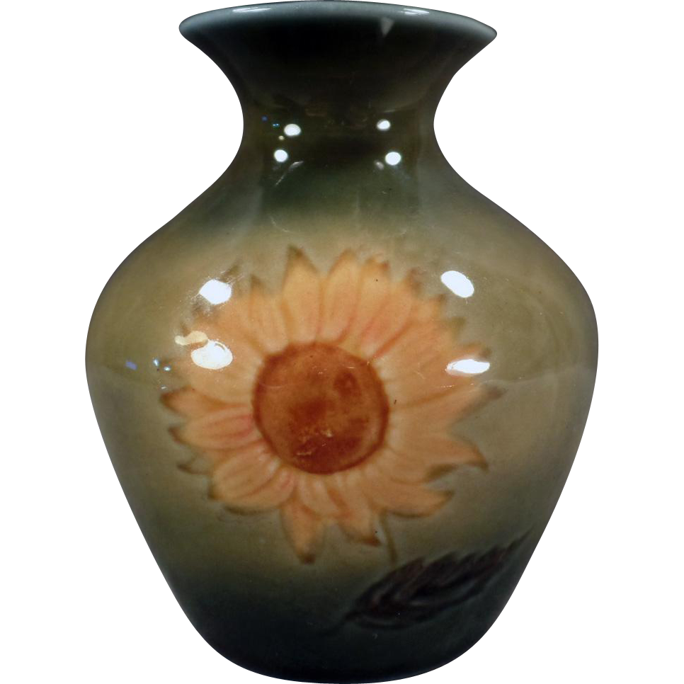 Vintage Wade Ireland Art Pottery Vase - Mourne Range with Sunflower