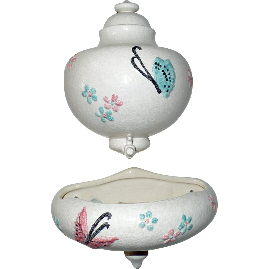vintage hull pottery lavabo in the butterfly pattern from. Black Bedroom Furniture Sets. Home Design Ideas